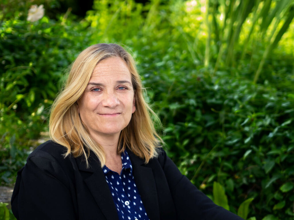 9. Writing Bestsellers, Life & Lipstick with Novelist Tracy Chevalier