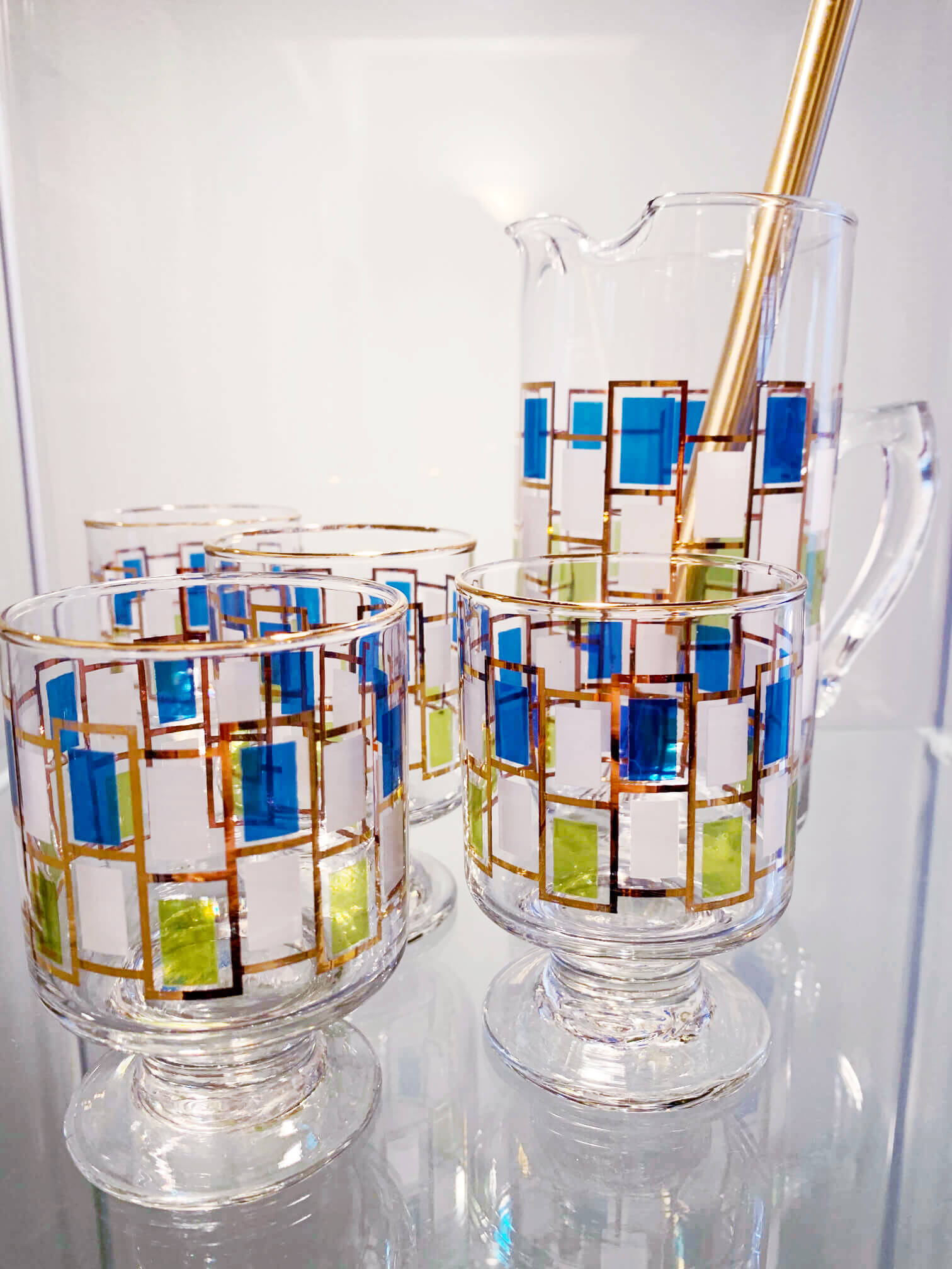 Gorgeous art deco blue and green cocktail glasses.